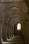 Fontenay - Graphical view of church pillars and arches