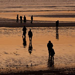 Le Havre - Shadows at sunset on the beach