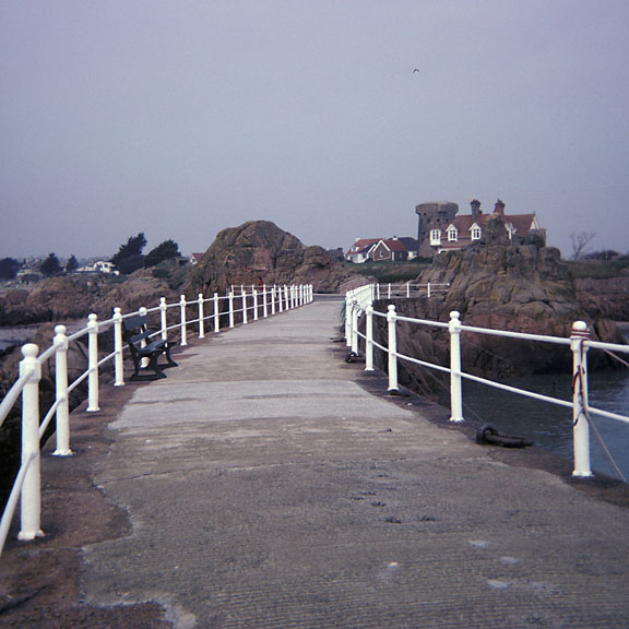Bent pier - Jersey - Platte Rocque Point - February 1976 - Graphical