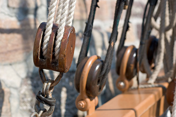 Old rigging and tackle - France/Brittanny - Erquy - June 2005 - Graphical