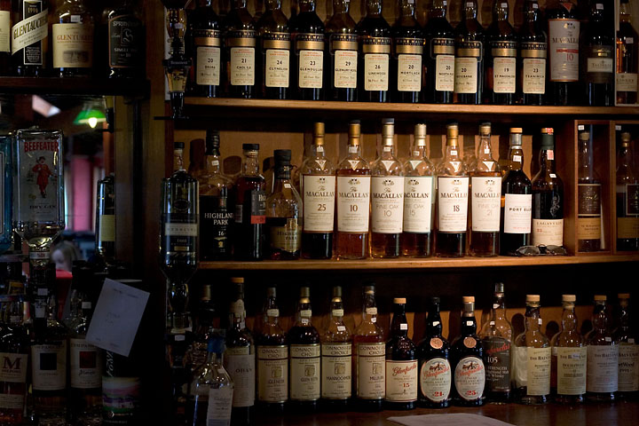 Whisky bar at Sligachan - UK/Scotland - Isle of Skye - April 2007 - Graphical